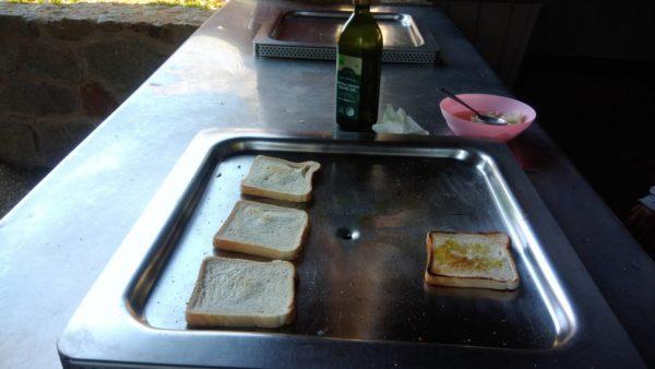 オリーブオイル塩パン